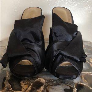 GORGEOUS satin heels 👠